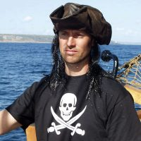 Tricorn hat and adult pirate T shirt